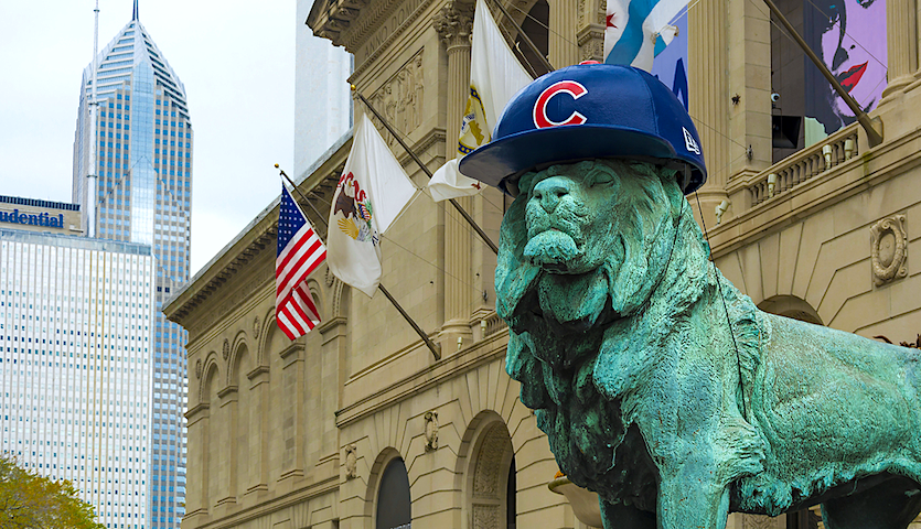 Lion in front of Chicago Art Institute with Cubs hat