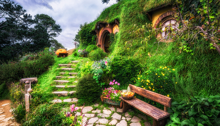 bilbo baggins home in hobbit garden on the hobbiton movie set in New Zealand